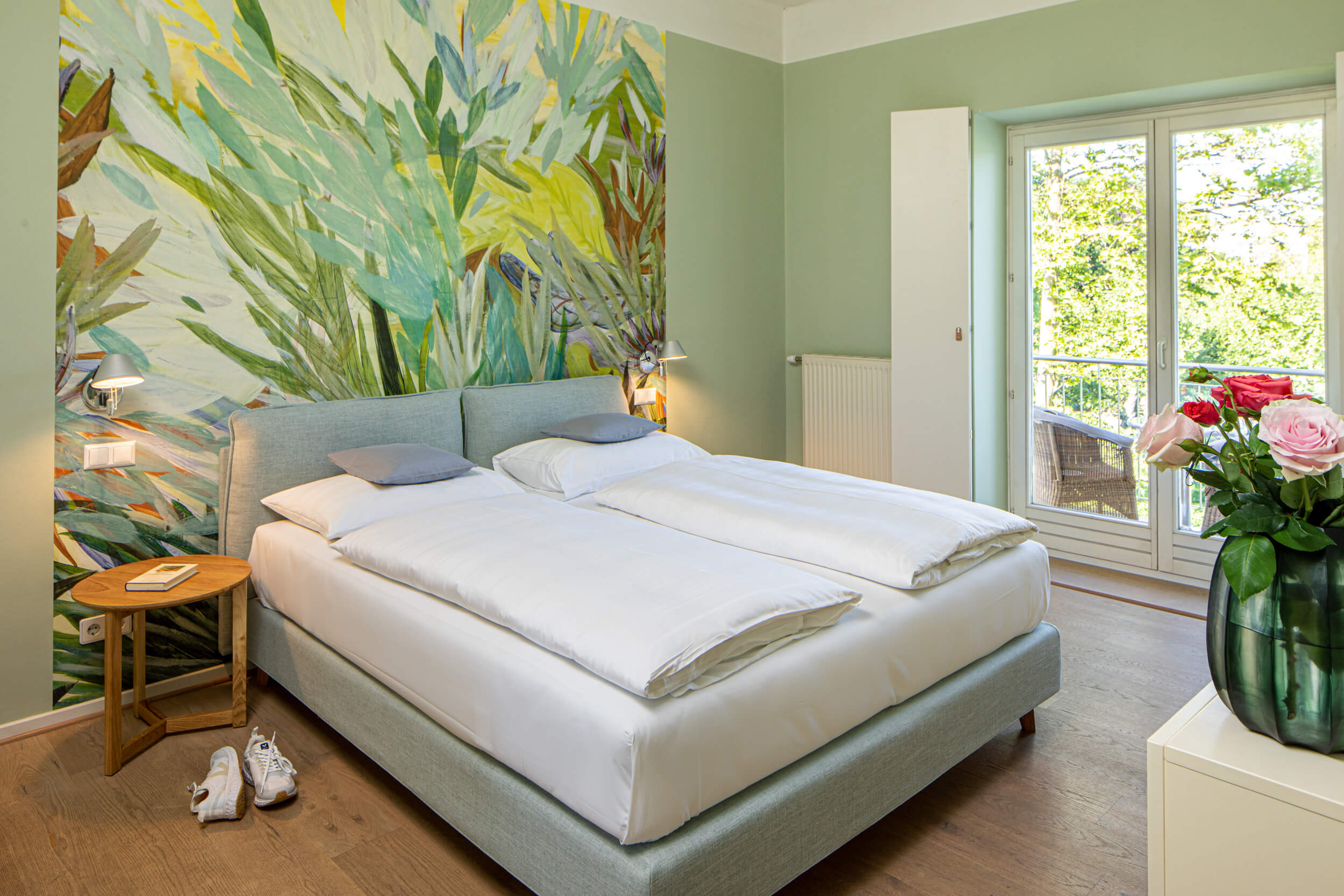 DOUBLE ROOM EAST/WEST